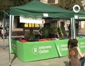 Parada d'OXFAM INTERMON @ Plaça dels Quatre Cantons de Sant Cugat del Vallès
